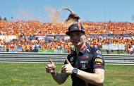 Max Verstappen wint Grand Prix Oostenrijk na ijzersterke comeback: