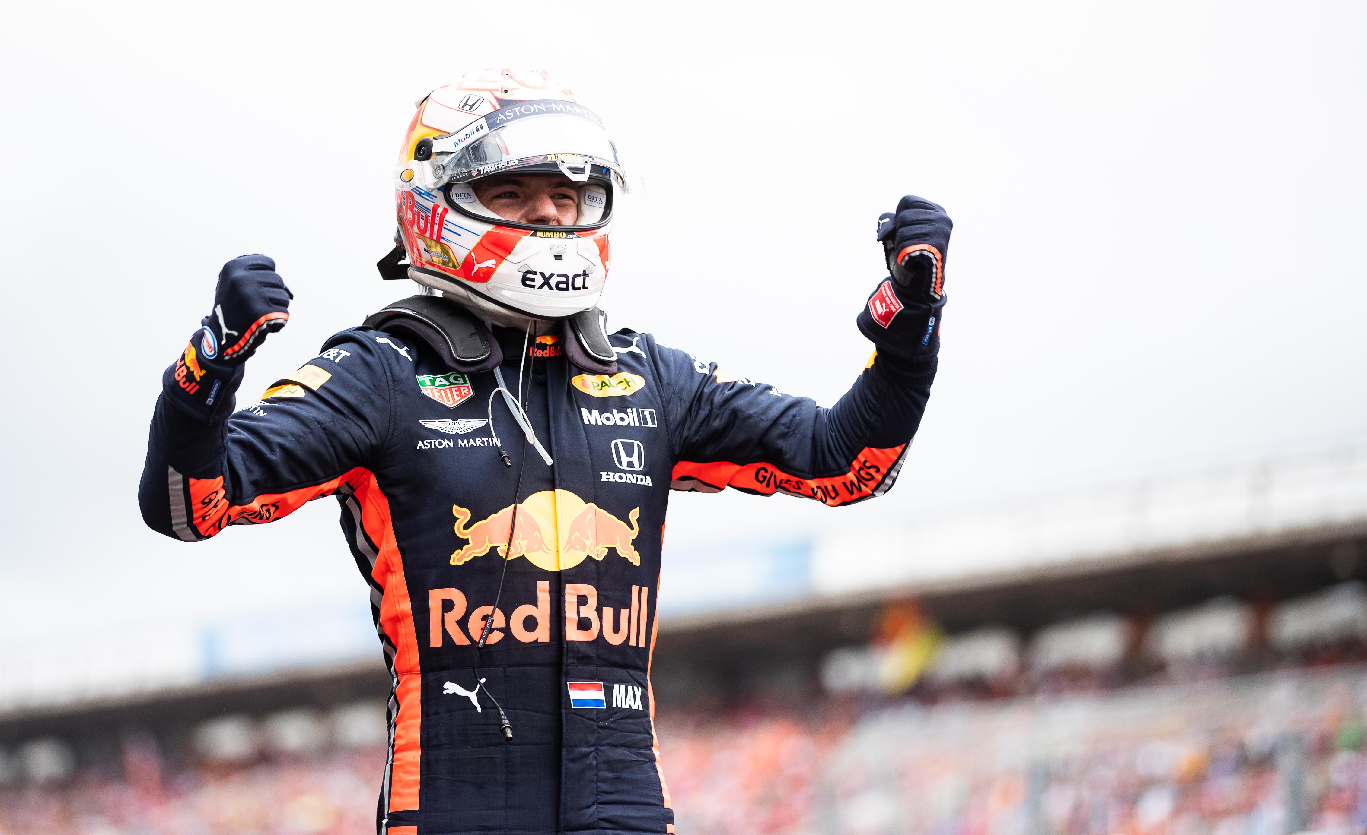 Max Verstappen wint knotsgekke Duitse Grand Prix: 'Geweldig om te winnen'