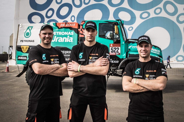 Team De Rooy blij dat Dakar begint