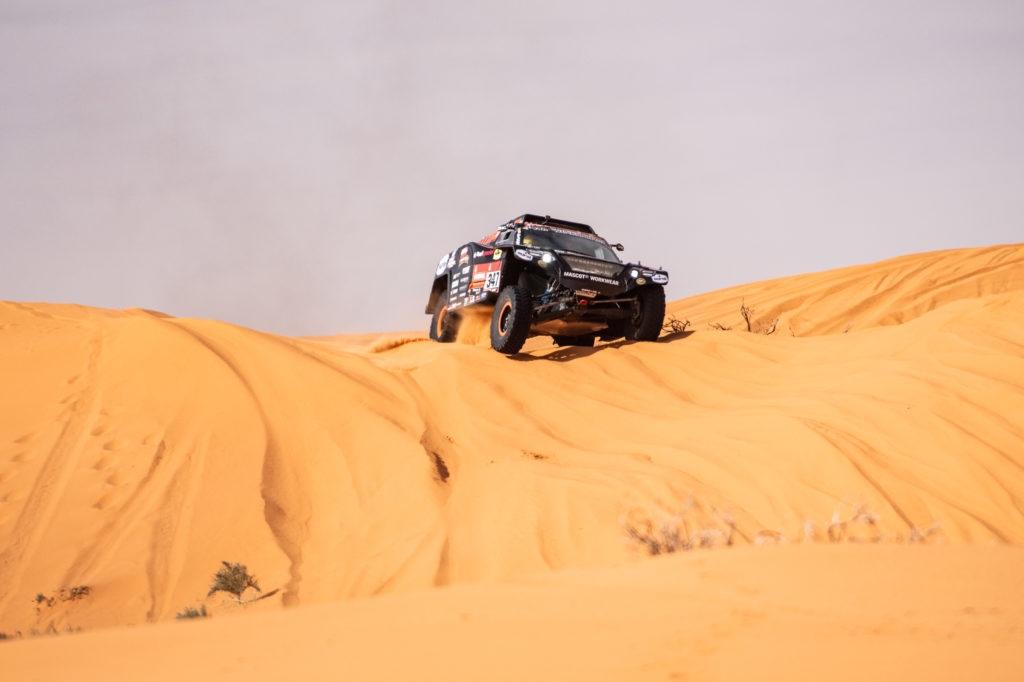 Eerste deel van Dakar-missie geslaagd voor Tim en Tom Coronel