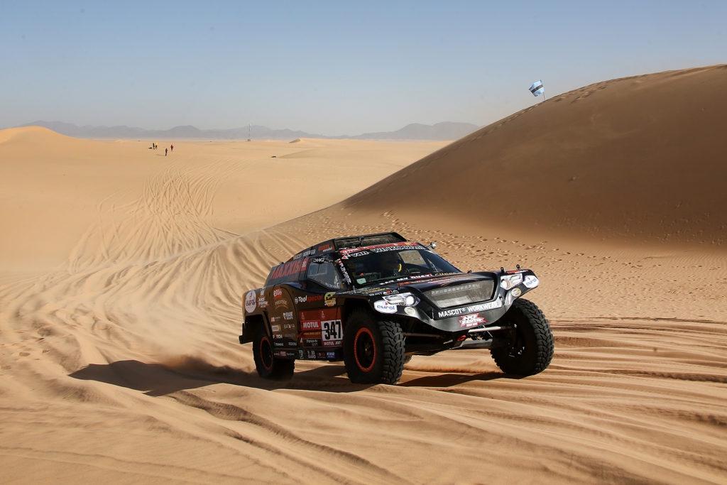 Tim en Tom Coronel niet ongeschonden door ouderwetse Dakar-proef