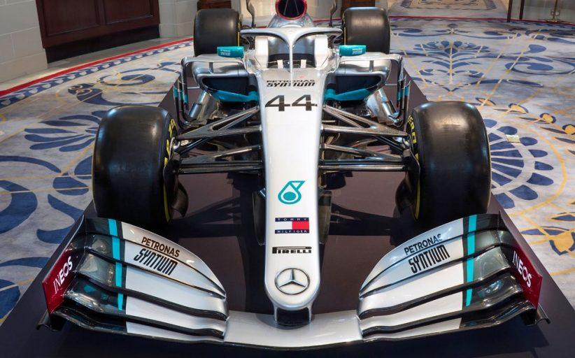 Mercedes onthuld nieuwe livery voor 2020