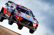 Craig Breen met Hyundai i20 WRC in South Belgian Rally
