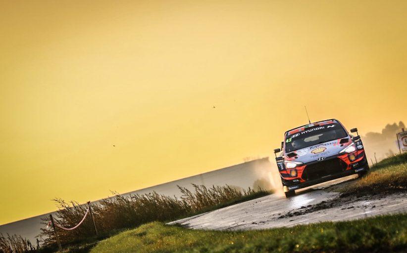Craig Breen wint de Aarova rally met zijn Hyndai i20 WRC