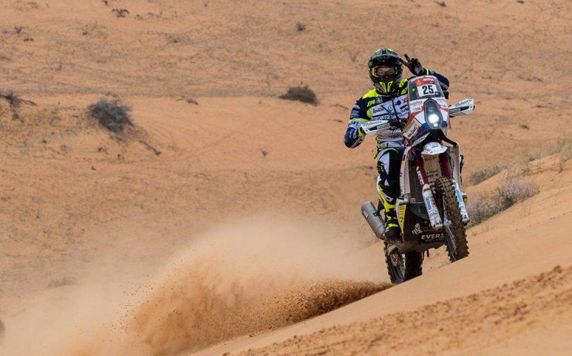 Paul Spierings houdt zich staande in achtste etappe Dakar Rally ondanks pijnlijke schouder