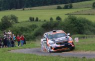 Charles Munster wint met zijn Opel Corsa Rally4