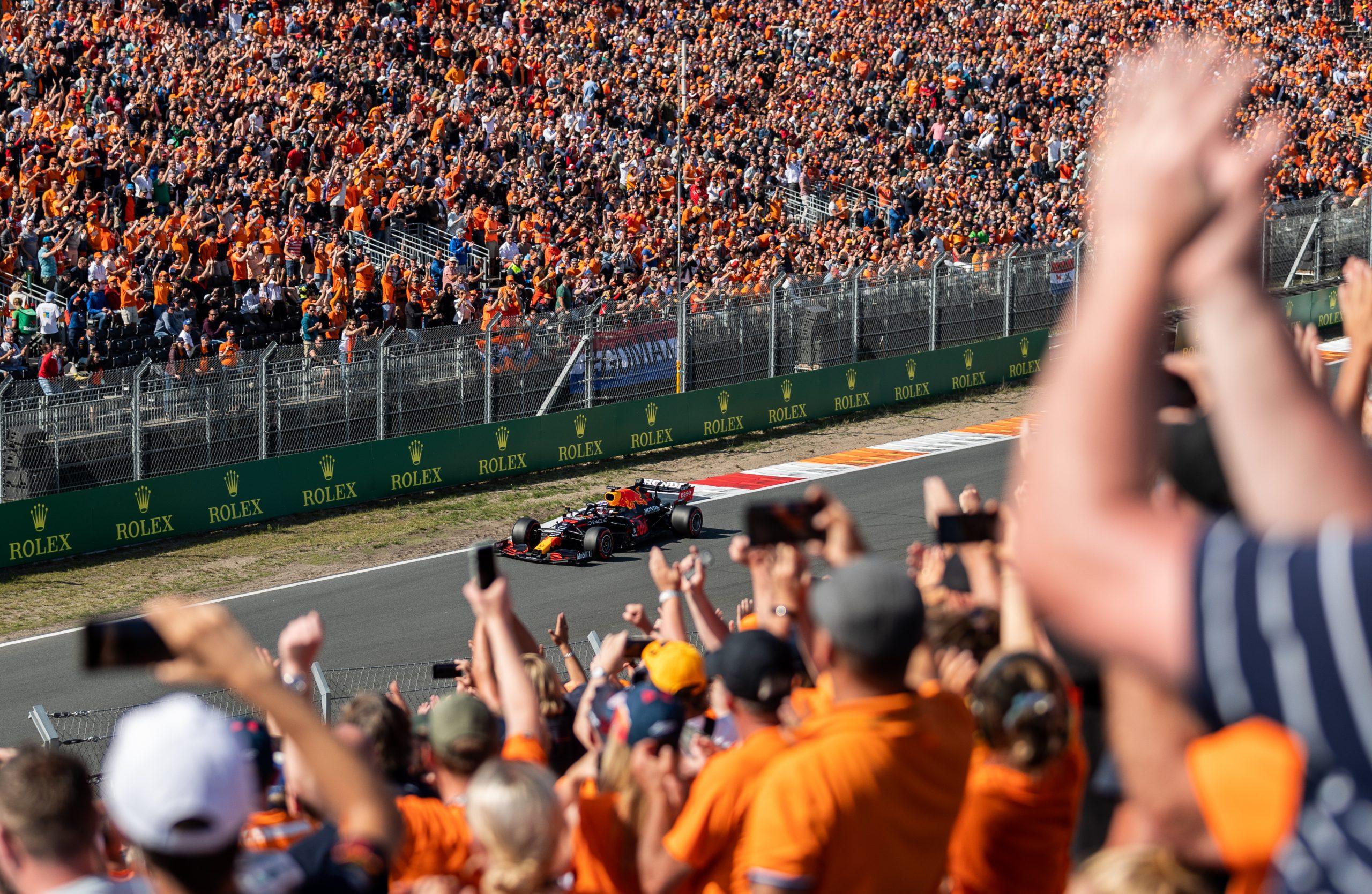 Max Verstappen wint Dutch Grand Prix in stijl voor eigen publiek: